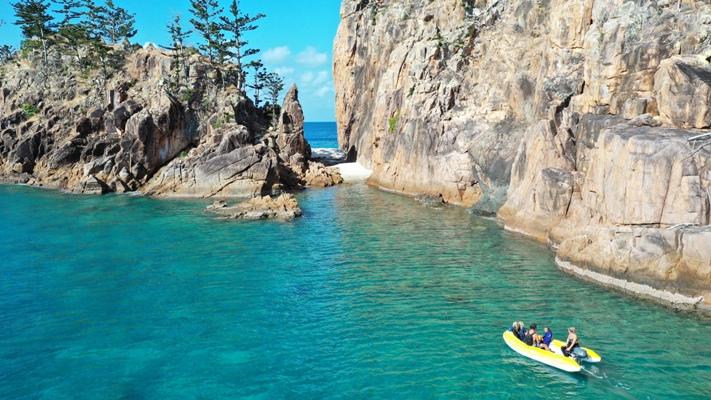 bareboating in summer Whitsundays