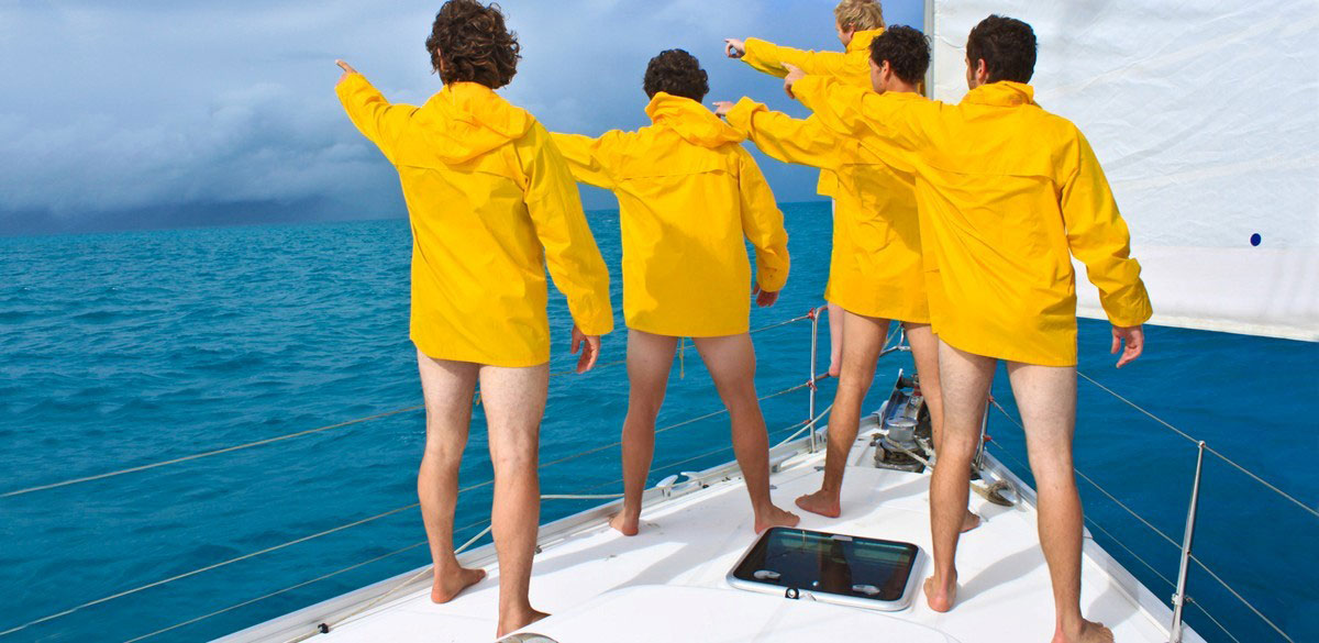 A bareboat crew learns how to sail in the Whitsundays