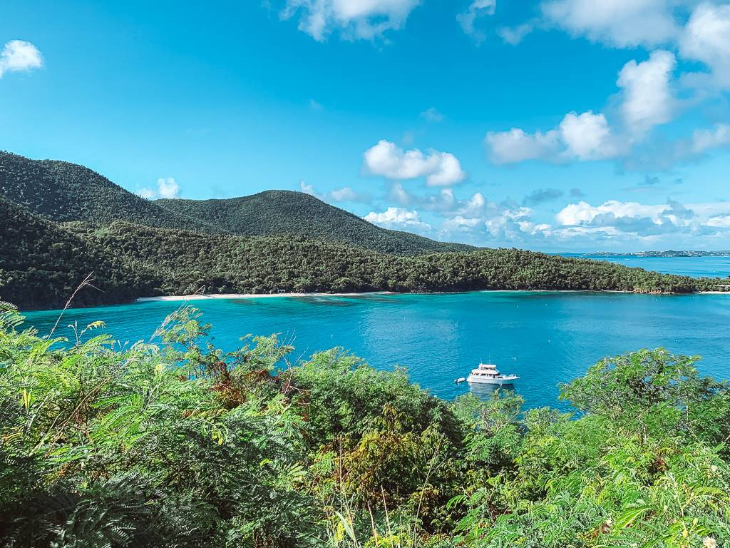 charter a yacht Virgin Islands