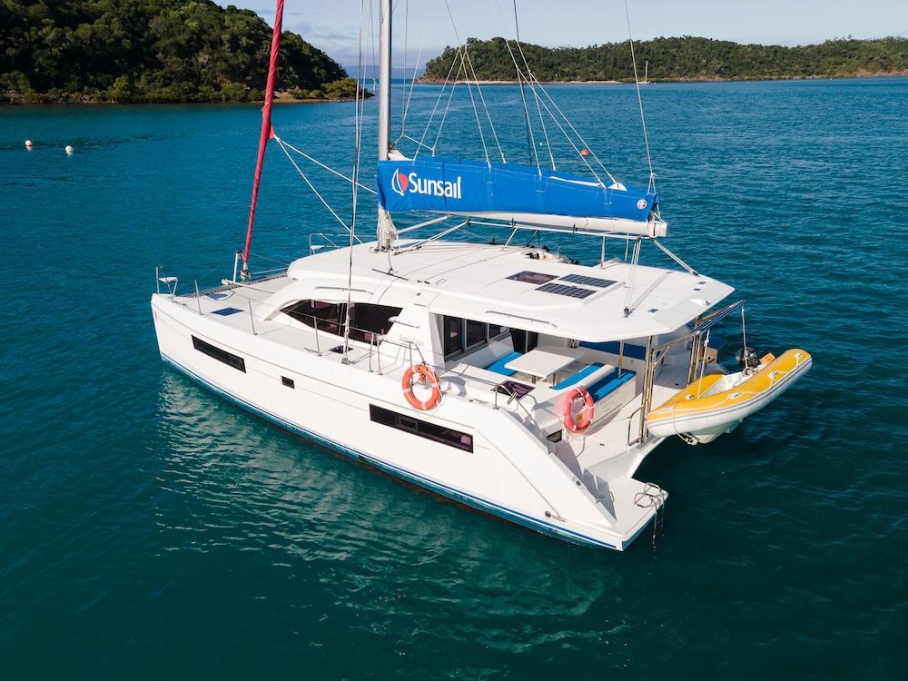 Leopard 40 Whitsunday rent a yacht