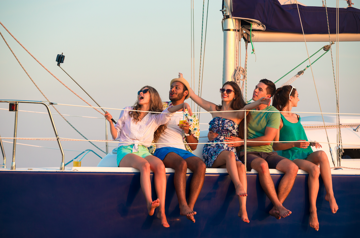 Party Boat Hire Airlie Beach