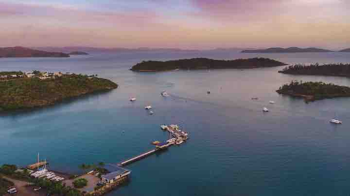 5 overnight anchorages under two hours from Shute Harbour