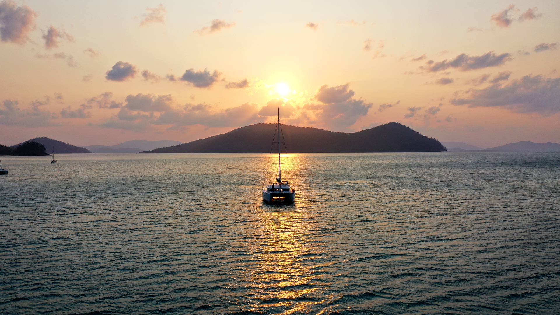 ecotourism whitsundays sailing