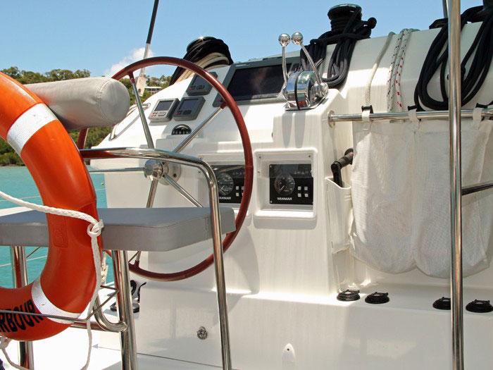 Beneteau Lagoon 400 catamaran in the Whitsundays