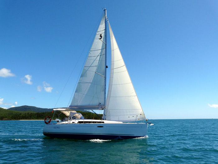 Beneteau Oceanis 34 | Whitsunday Rent A Yacht