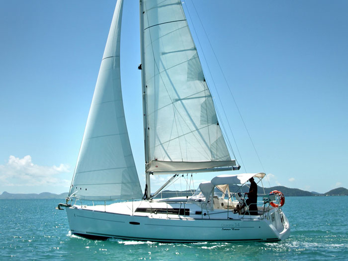 Beneteau Oceanis 34 yacht in the Whitsundays
