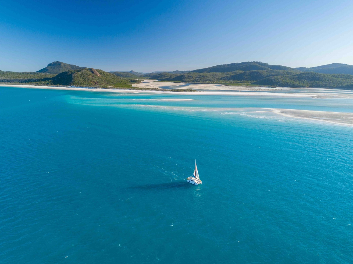 yacht sailing whitsundays