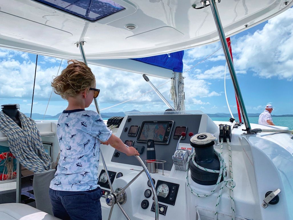 Boat hire Airlie Beach bareboat yacht