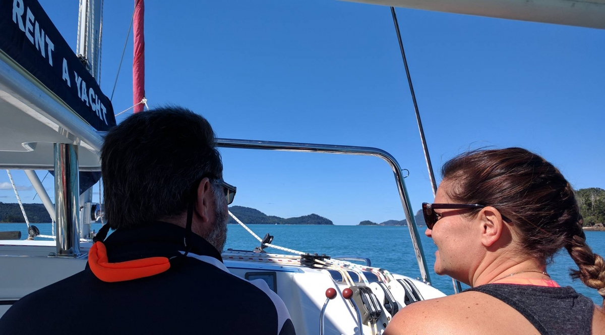 sail guide whitsunday rent a yacht