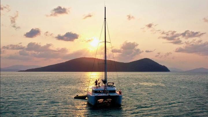 Trip in a Van sailing Whitsundays